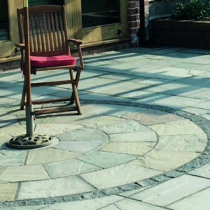 PAVING CIRCLE FEATURE KIT - 'Classicstone' Promenade-Natural Sandstone with a Cleft Finish