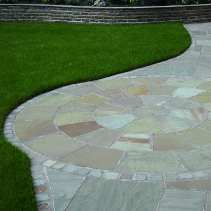 PAVING CIRCLE FEATURE KIT - 'Classicstone' Lakeland - Natural Sandstone with a Cleft Finish